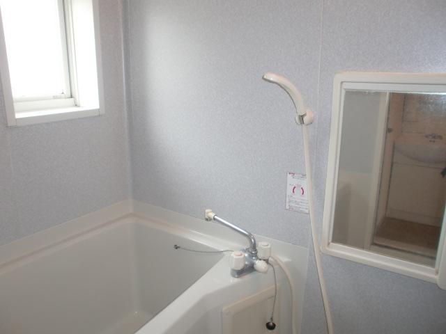 明るい浴室です!(風呂)