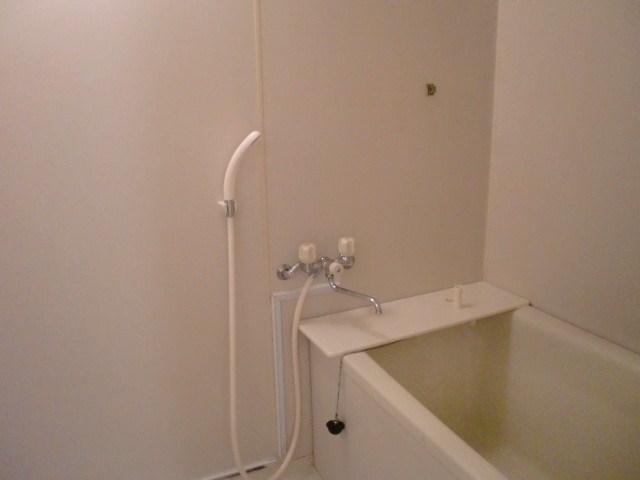 シャワー付の浴室です。(風呂)