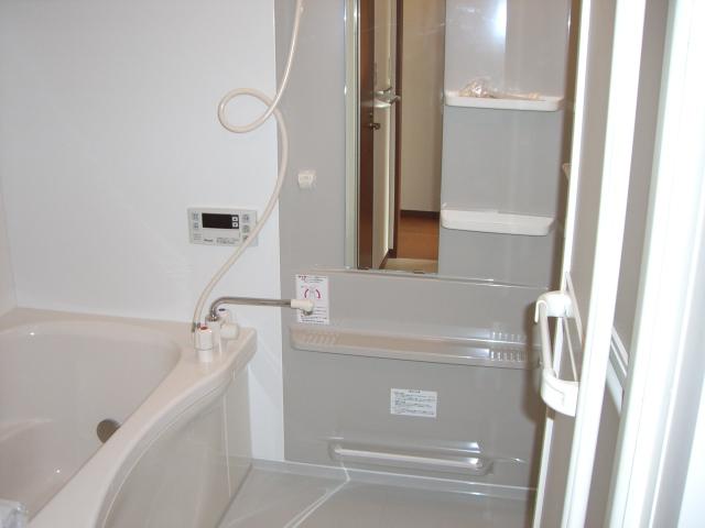 追焚給湯付の浴室で、快適です☆(風呂)