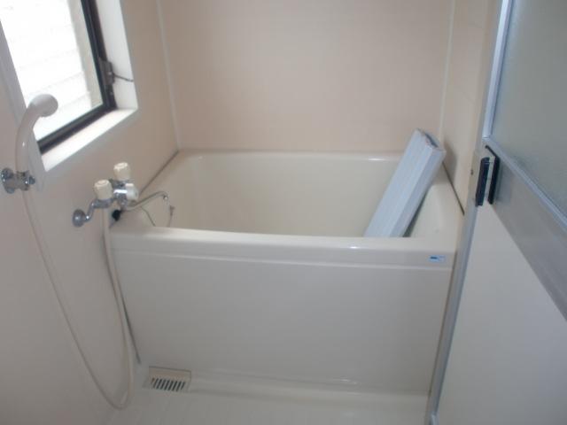 シンプルな浴室です。(風呂)