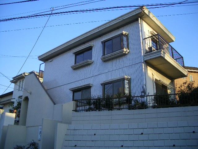 JR都賀駅より徒歩約4分!(外観)