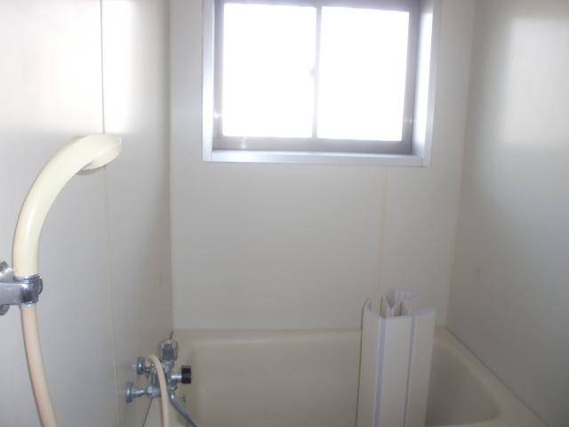 明るい浴室です。(風呂)