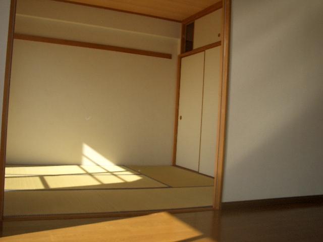 約6帖の和室になります。