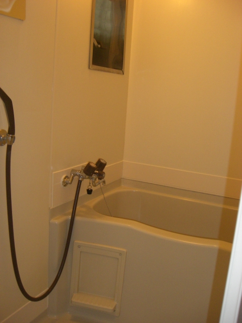 浴室には、シャワーもございます!(風呂)