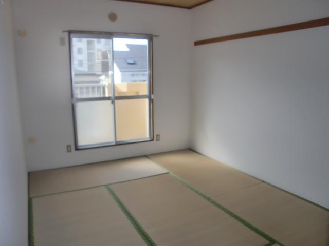 和室は、約6帖になります。